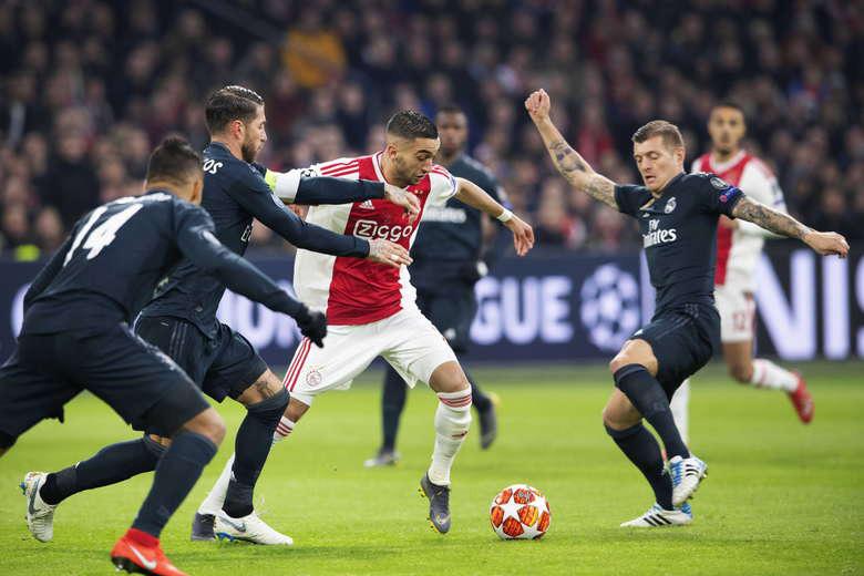 زياش يسجل وأسينسيو ينتزع فوزًا قاتلا للريال أمام أياكس الهولندي