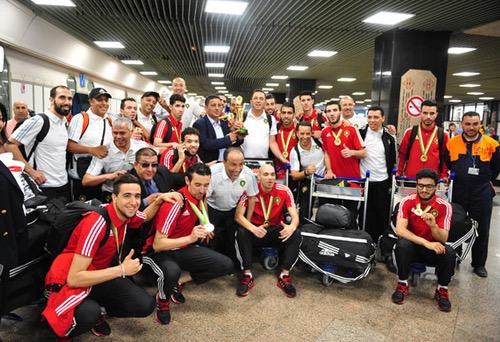 """استقبال """"بارد"""" لمنتخب """"الفوتصال"""" بمطار محمد الخامس مع ضياع حقائب بعض اللاعبين"""