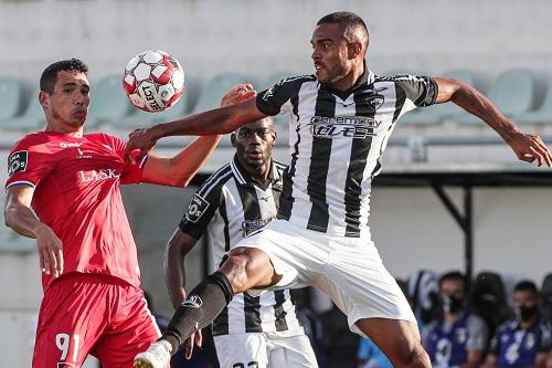 بورتيمونينسي يلدغ فيسنتي في دوري البرتغال