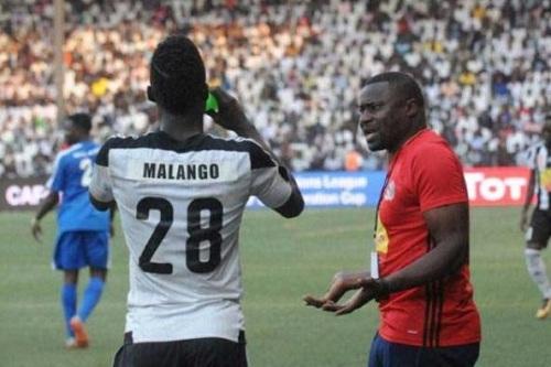 مازمبي يواصل العناد في قضية مالانغو ويشتكي للفيفا ضد الرجاء