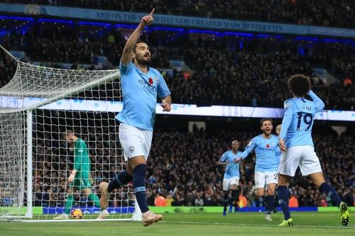 """مانشستر سيتي يستعيد صدارة """"البريمييرليغ"""" بفوز طال انتظاره على """"يونايتد"""""""