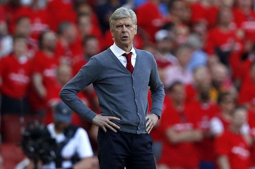 المدرب الفرنسي آرسين فينغر يرفض عرضا لتدريب برشلونة