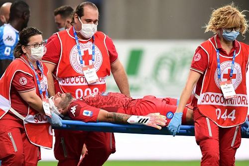 نابولي يهدئ جمهوره بعد إصابة أوسبينا