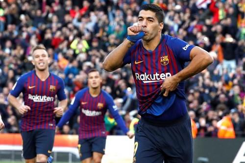 برشلونة يضاعف محنة ريال مدريد بخماسية مذلة في الدوري الإسباني