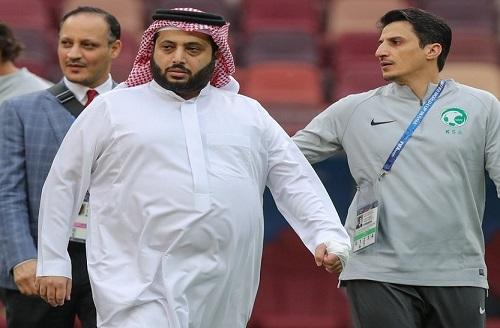 تركي آل الشيخ يبتعد عن المستديرة.. ويستقيل من رئاسة الاتحاد العربي لكرة القدم