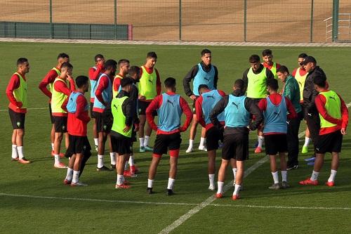 """عموتة يكشف لائحة معسكر """"الشان"""".. 12 لاعباً من الرجاء والوداد"""