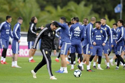 مشاكل الأرجنتين تبدأ قبل انطلاق كوبا أمريكا بإصابة حارس المرمى
