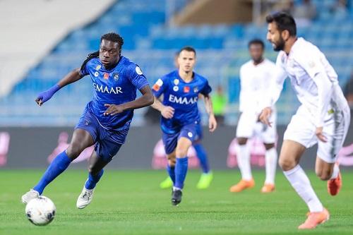 الهلال السعودي يواجه الأهلي الإماراتي بـ8 لاعبين و3 حراس مرمى
