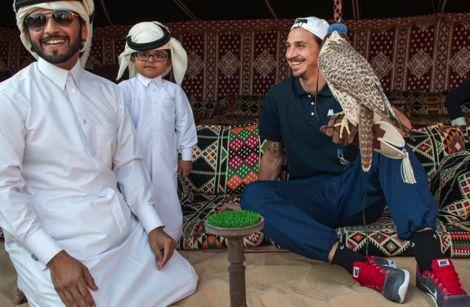 ايبراهيموفيتش يفكر في الانتقال إلى قطر بعد انتهاء عقده مع الـ PSG