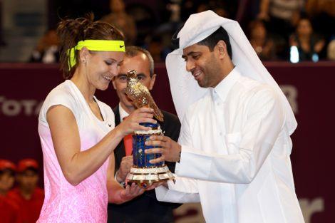 التشيكية لوسي سافاروفا تفوز ببطولة قطر الدولية للتنس