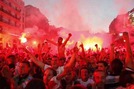 وفاة مشجع جزائري بسكتة قلبية بعد تسجيل كوريا هدفها الثاني