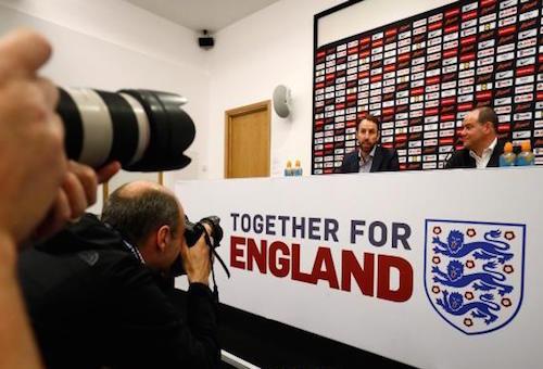 مفاجآت عديدة في تشكيلة إنجلترا لوديتي هولندا وإيطاليا