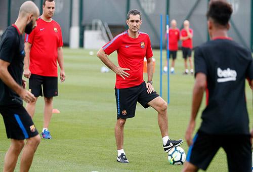 فريق برشلونة يستمتع بعطلة من 3 أيام