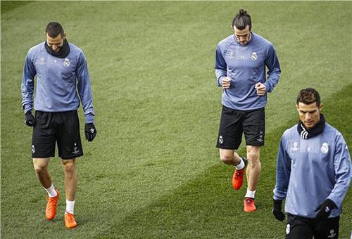 جماهير ريال مدريد ترفض مشاركة BBC أمام نابولي