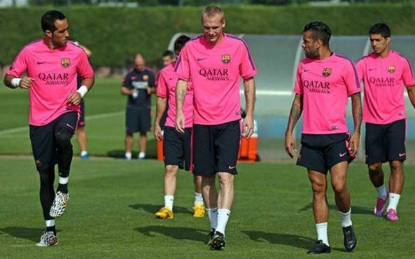 برافو يعود إلى تداريب برشلونة