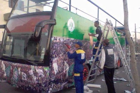 حافلة مكشوفة للاحتفال بالرجاء مع جمهوره بشوارع الدار البيضاء