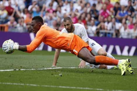 مالقا يجبر ريال مدريد على خسارة صدارة الليغا