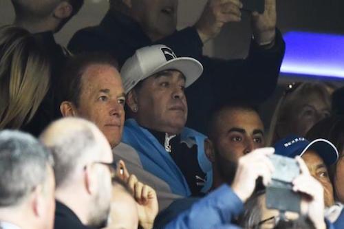 مارادونا يتعجَّب مما فعله لاعبو الأرجنتين للمرة الأولى بالتاريخ
