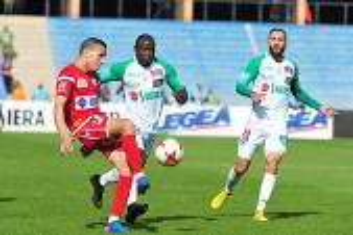 """التعادل ينهي مباراة """"الديربي البيضاوي الشيق"""" بين الغريمين في مراكش"""