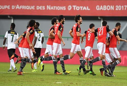 السيسي يهنئ منتخب مصر على التأهل لمونديال روسيا