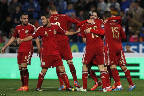 فوز إسبانيا على تشيك