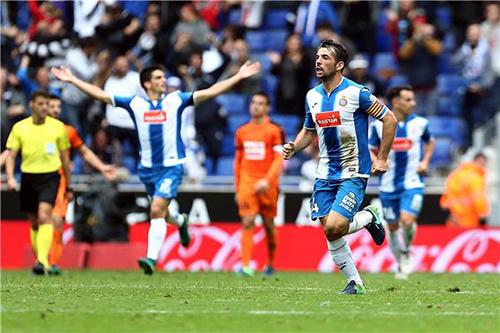إسبانيول يقتنص تعادلاً مثيرًا أمام إيبار في الدوري الإسباني