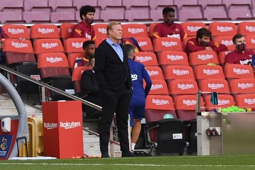 الهولندي رونالد كومان: لماذا يتدخل الـVAR ضد برشلونة فقط؟
