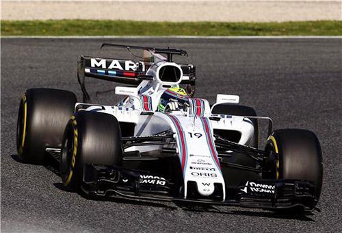 لاودا يتغنى بأداء بوتاس في فورمولا 1