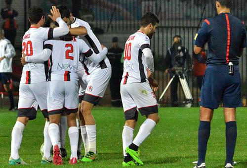 سكومة يقود الفتح لتحقيق انتصار ثمين أمام النادي الإفريقي في كأس الـCAF