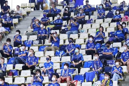 الجماهير تعود في دوري اليابان لكرة القدم