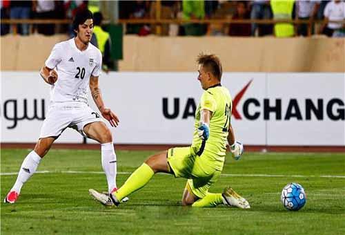 مدرب إيران يستدعي أحد لاعبي الأزمة