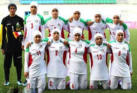 """إيران لا تمانع وجود """"المتحولين"""" جنسيا ضمن منتخب الإناث"""