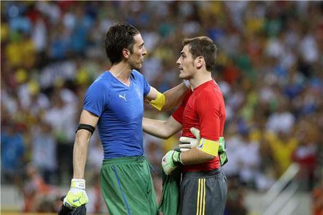 بوفون: كاسياس سيرد على الانتقادات في الملعب