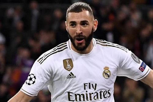 كريم بنزيمة يقترب من تجديد عقده مع ريال مدريد حتى 2021
