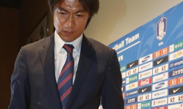 استقالة هونج ميونج بو من تدريب كوريا الجنوبية