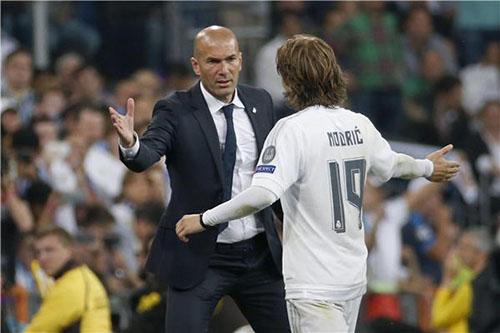 ريال مدريد يفقد جهود مودريتش أمام إيبار