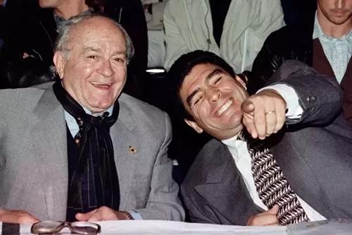 بين دي ستيفانو ومارادونا.. أساطير خلدت ذكراها في سوبر كلاسيكو الكرة الأرجنتينية
