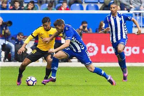 مدرب مالقا: النقاط الثلاث التي حصدها ريال بيتيس مستحقة