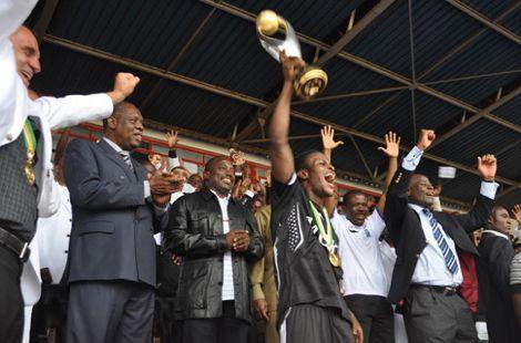 حارس مغربي يساهم في تتويج مازيمبي بالأبطال
