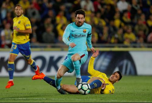 برشلونة يستسلم لعناد لاس بالماس ويكتفي بالتعادل معه بالدوري الإسباني
