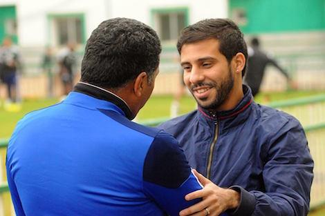 متولي يصل المغرب لدعم الرجاء أمام طنجة