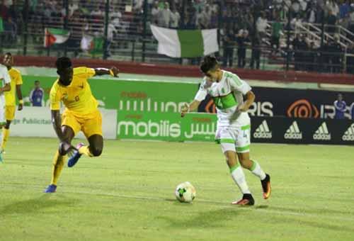 ريال بيتيس يقترب من ضم الجزائري يوسف عطال