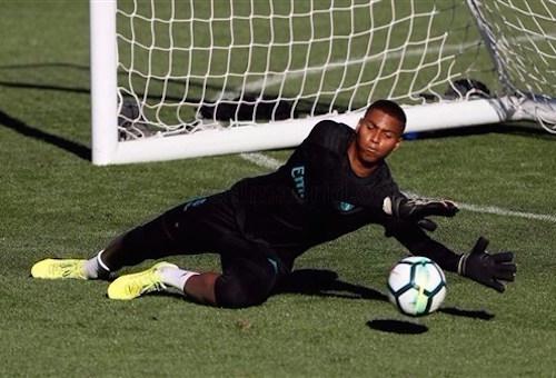 """الحارس المغربي """"موحا"""" يشارك في مران ريال مدريد"""