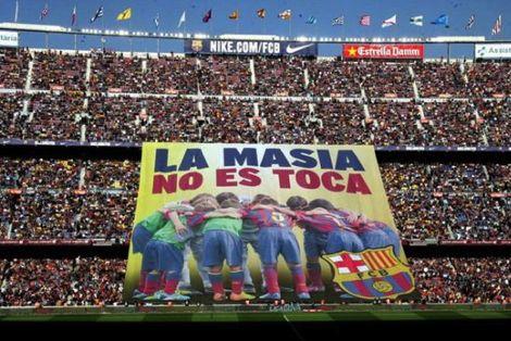 معاقبة برشلونة بسبب نشيد الأبطال