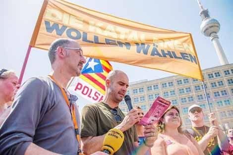 الحكومة الإسبانية تتهم غوارديولا بالتلاعب السياسي
