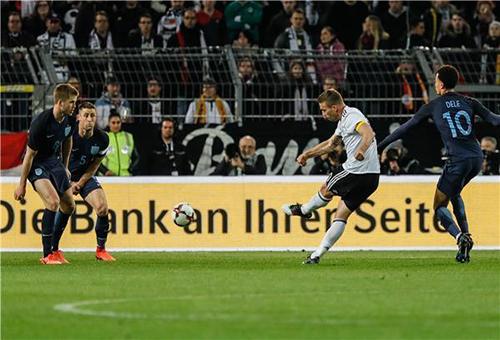 بودولسكي يختتم مسيرته مع ألمانيا بهدف رائع وفوز على انجلترا