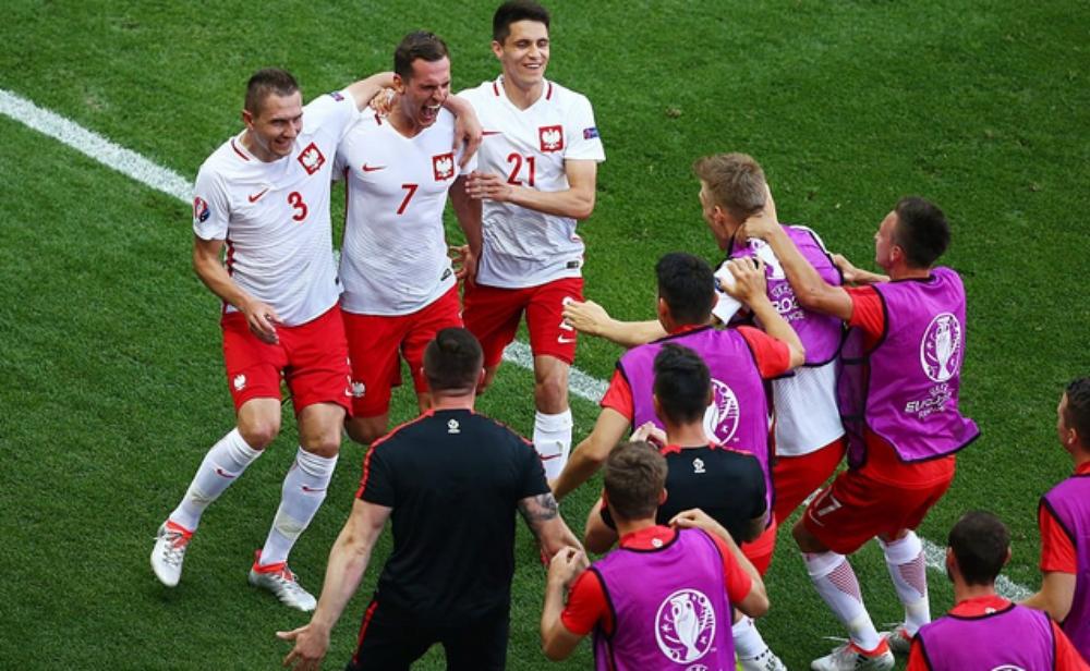 فوز بولندا على سويسرا