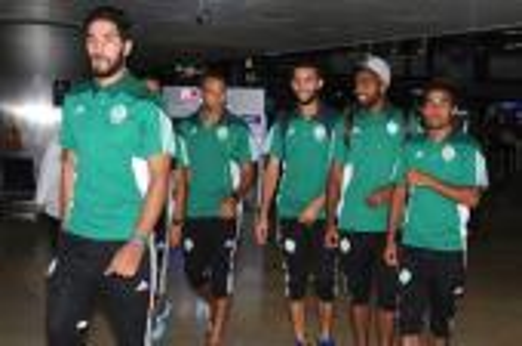لاعبو الرجاء مُستاؤون من الجامعة بعد تركِهم بمطار أنطاليا