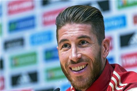 لاعبو ريال مدريد يحتفون بميلاد راموس وعودته
