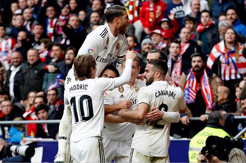"""ريال مدريد يستعيد هَيْبته محليا ويُهّدد عرش برشلونة في """"الليغا"""" الإسبانية"""